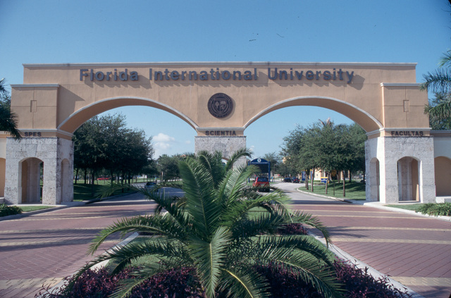 Florida International University - finance degree online