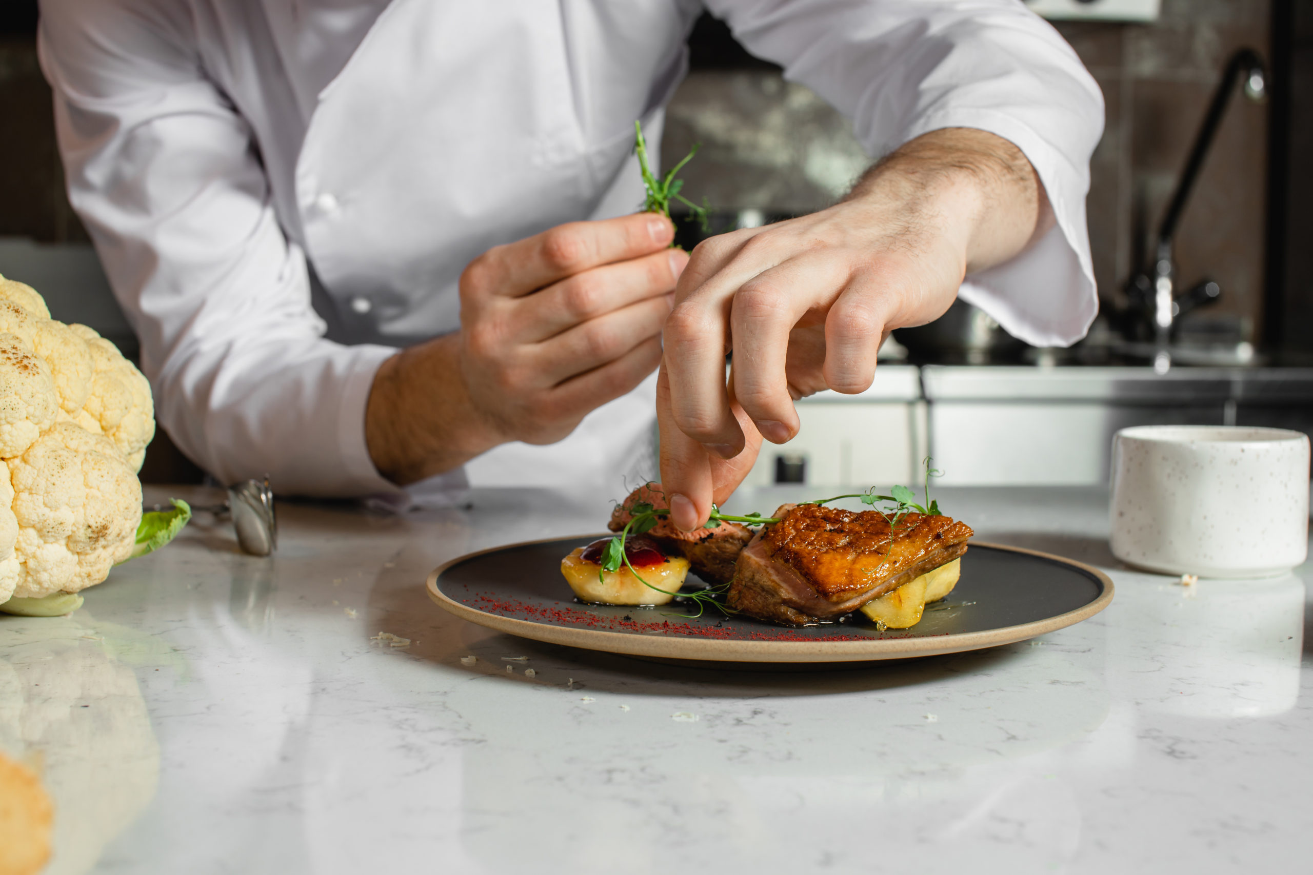 Image of a chef for our ranking of top culinary scholarships