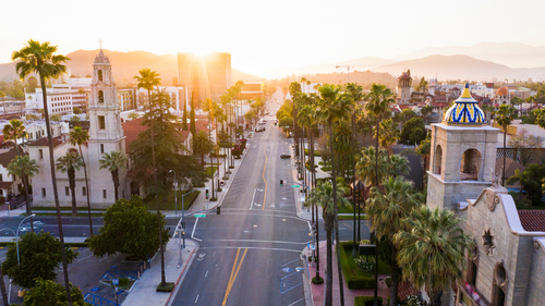 Image of a California town for our introduction to Best Small Colleges in California ranking